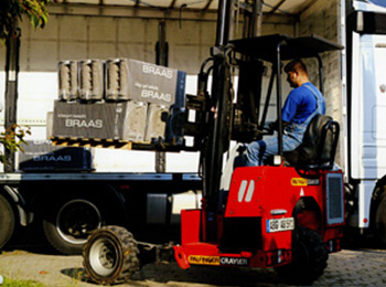 V.D. Service - Mounted fork lift trucks